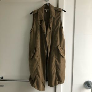 Sz medium Zara long sleeveless trenchcoat